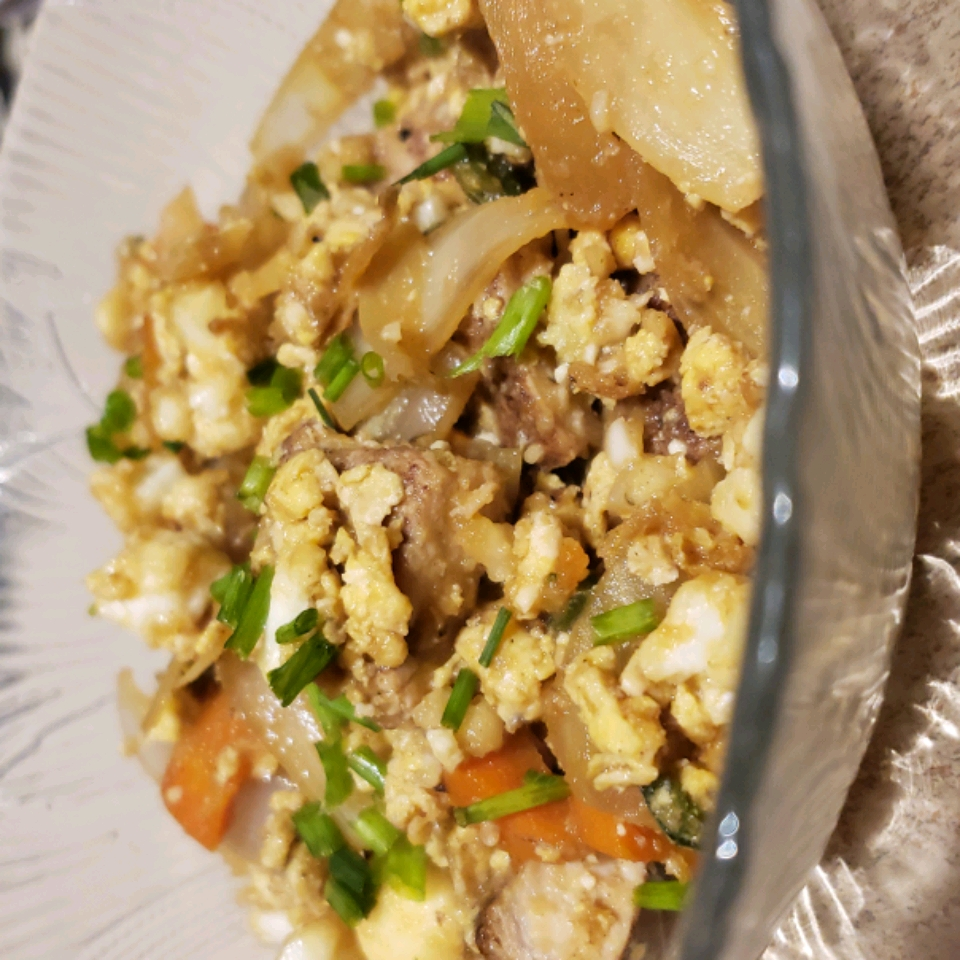 Spicy Cauliflower Fried 'Rice' with Pork staceynutz