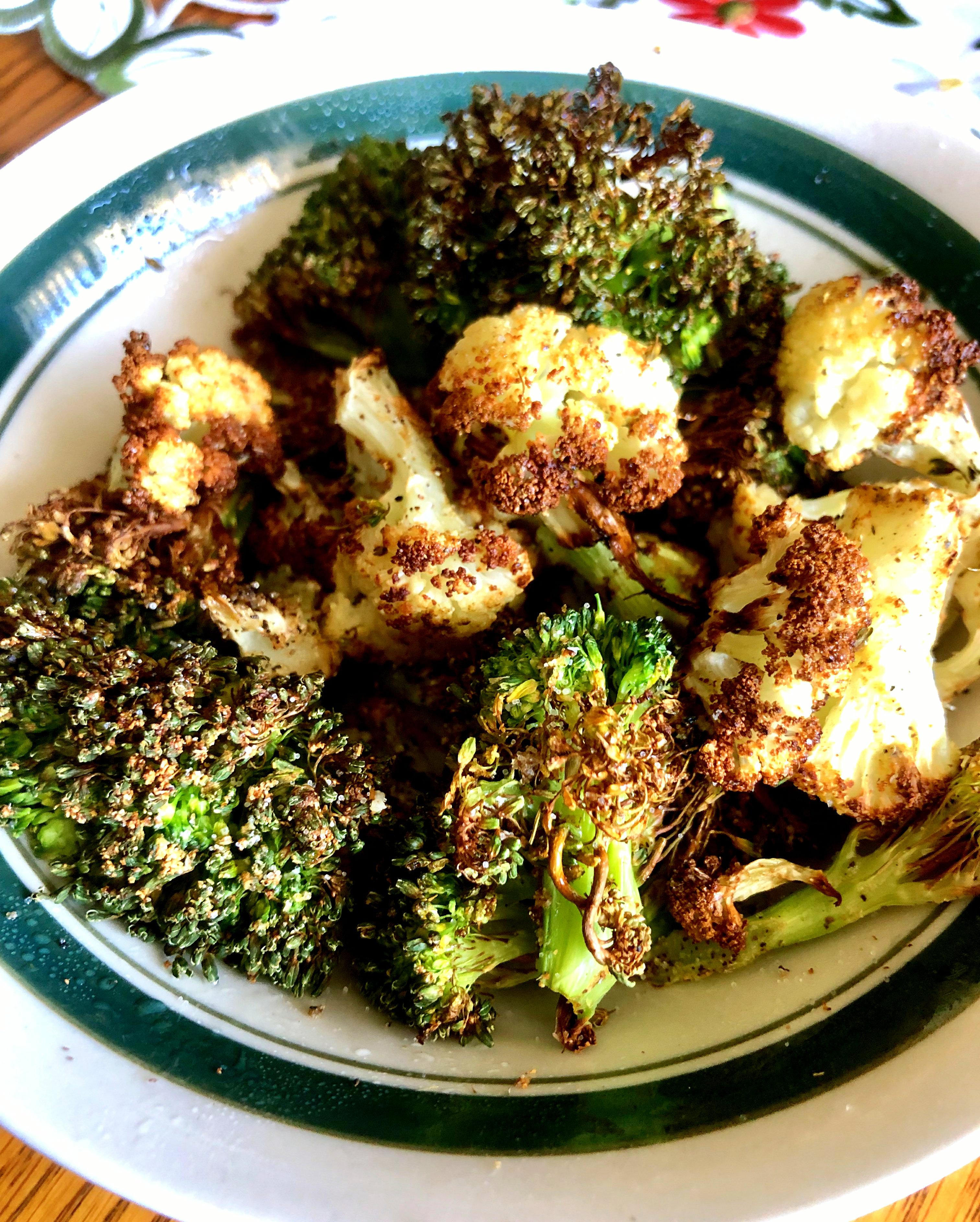 Air Fryer Roasted Broccoli and Cauliflower Yoly