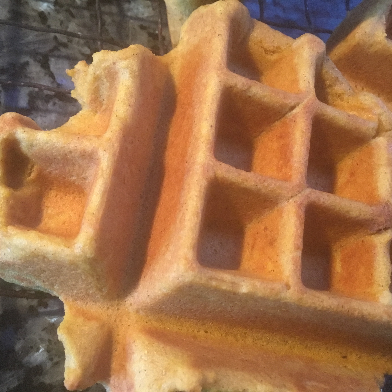 Perfect Gluten-Free Pumpkin Waffles suzipen