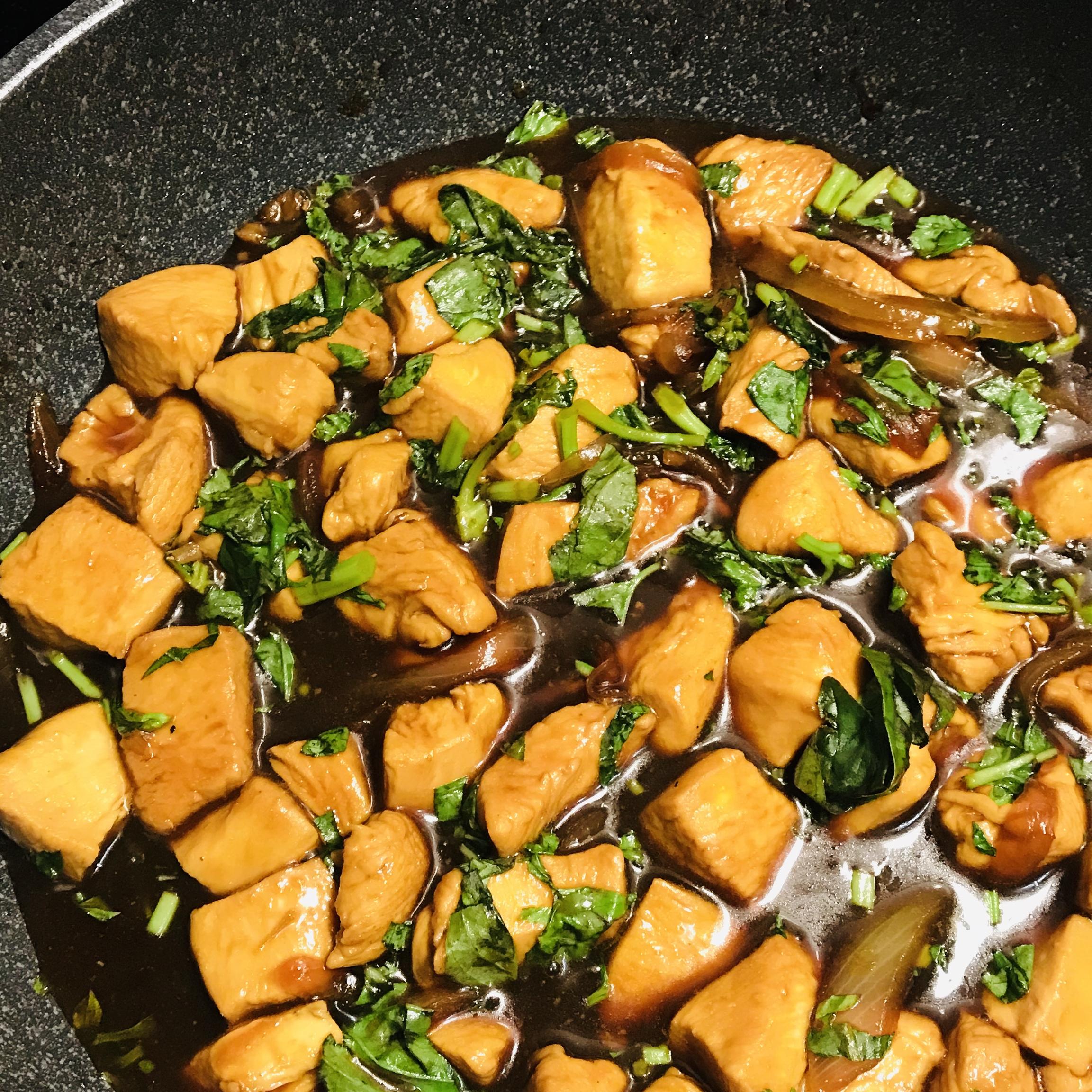 Authentic Thai Basil Chicken (Very Easy and Fast) Rashmi Dixon