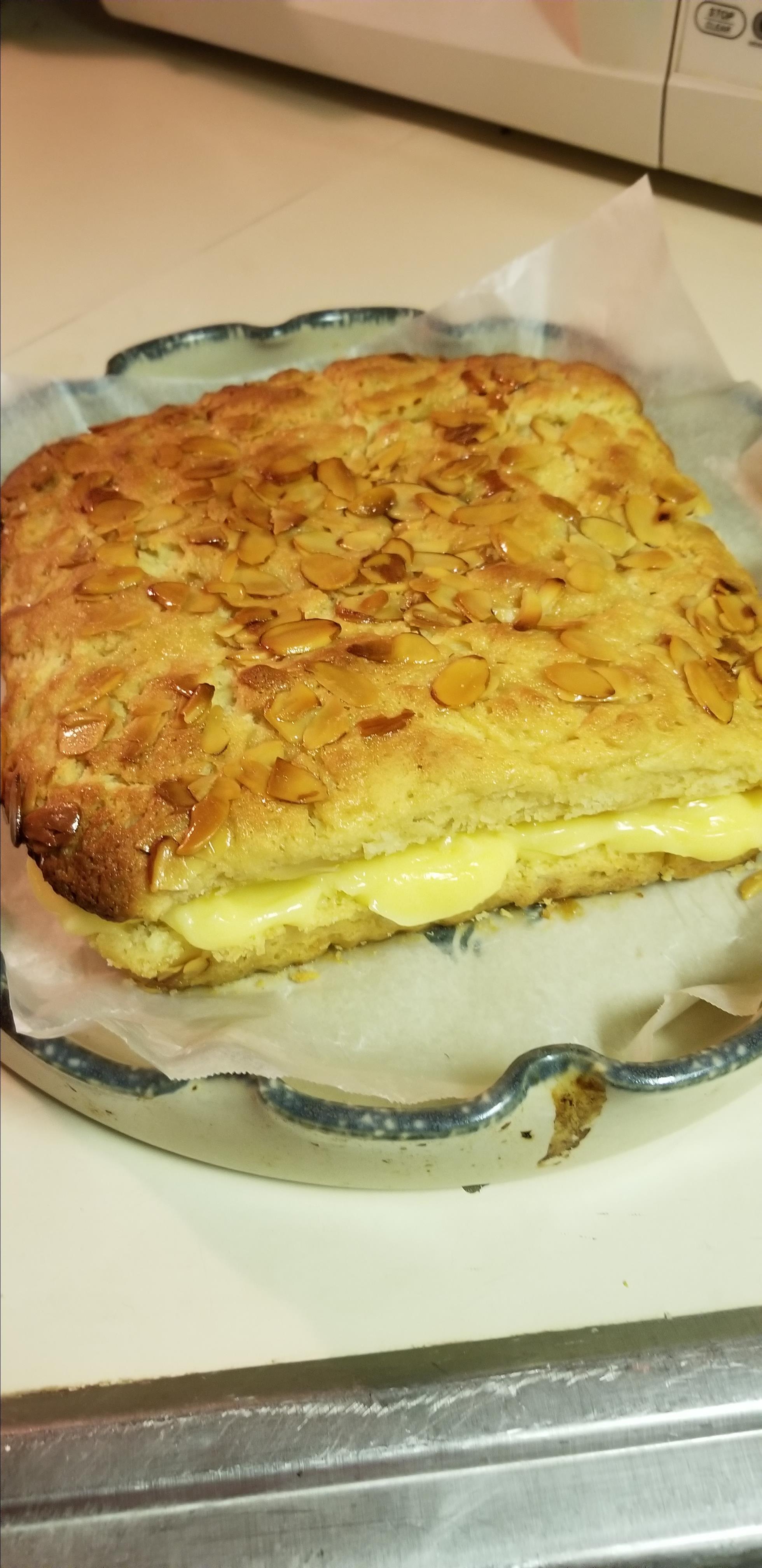 Bee Sting Cake (Bienenstich) I
