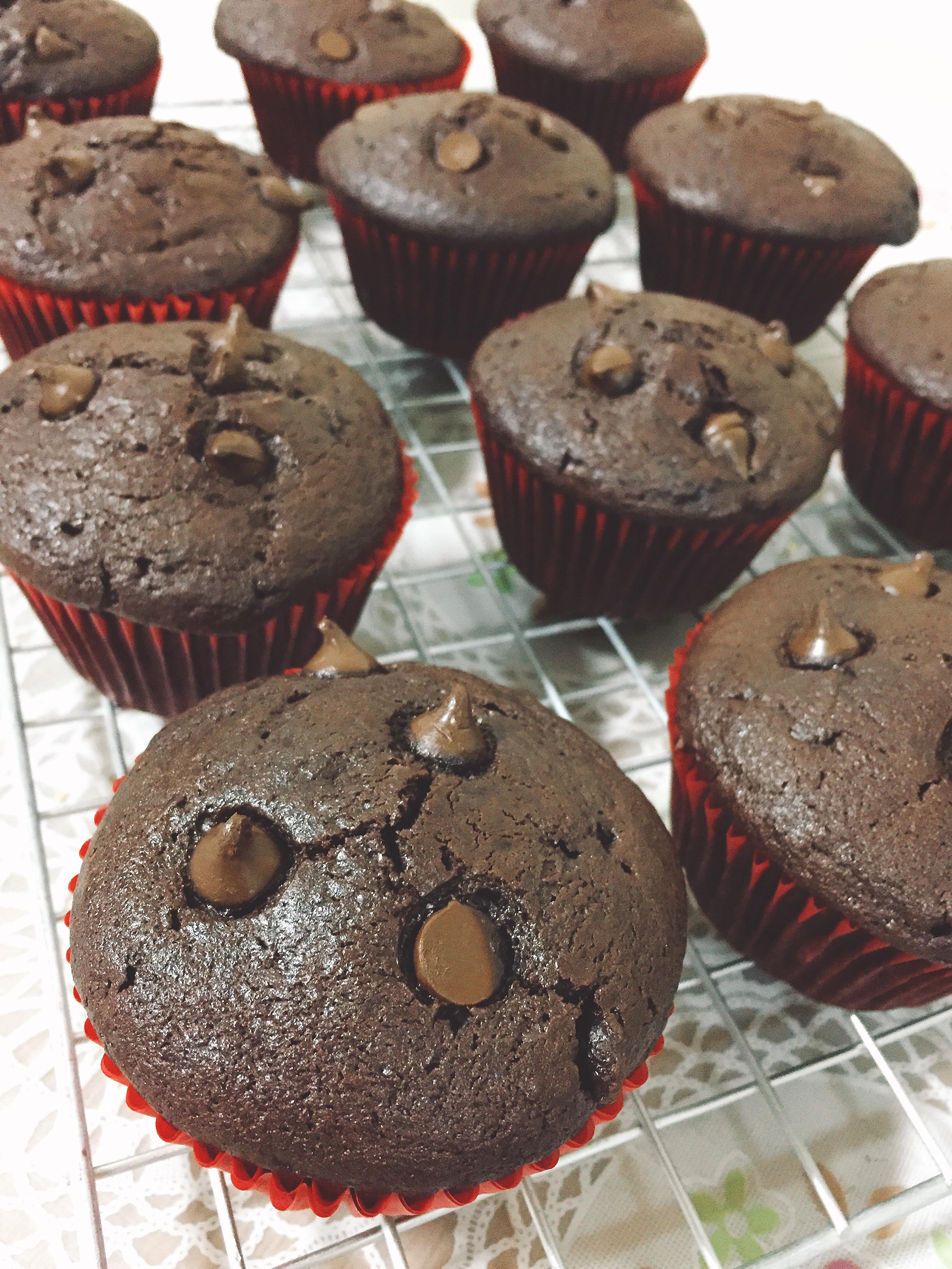 Moist Chocolate Muffins Naddiya Nadia Chantarawirod