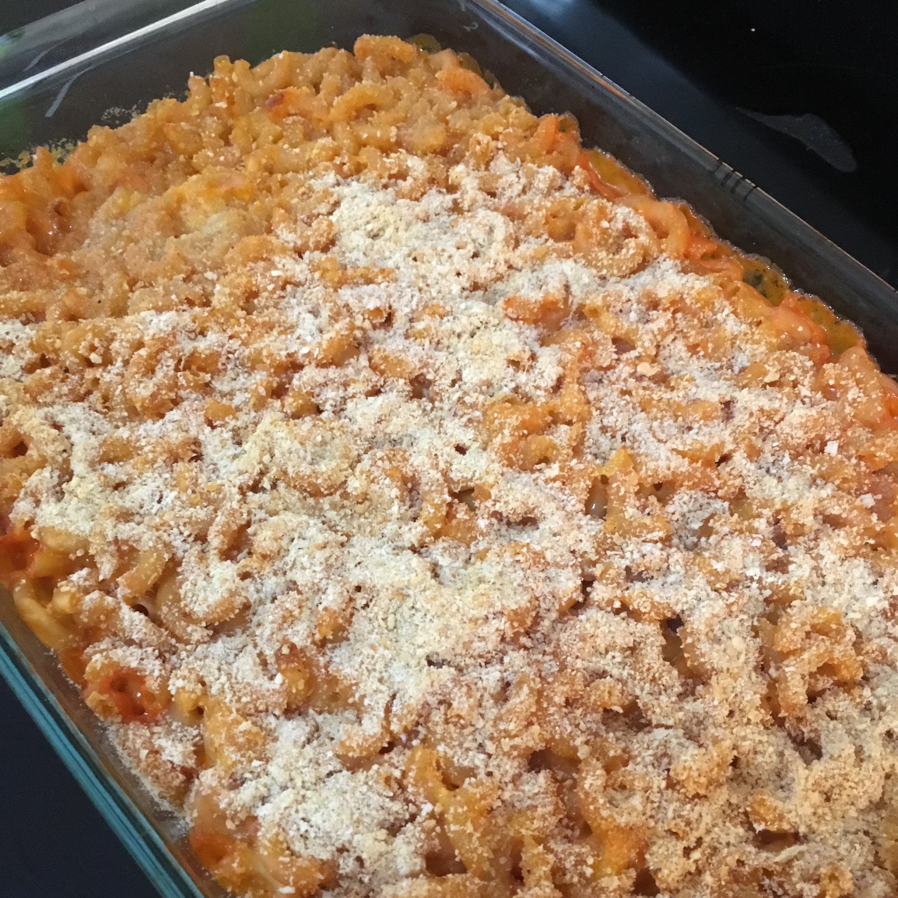 Baked Macaroni and Cheese with Tomato Erin Gleig