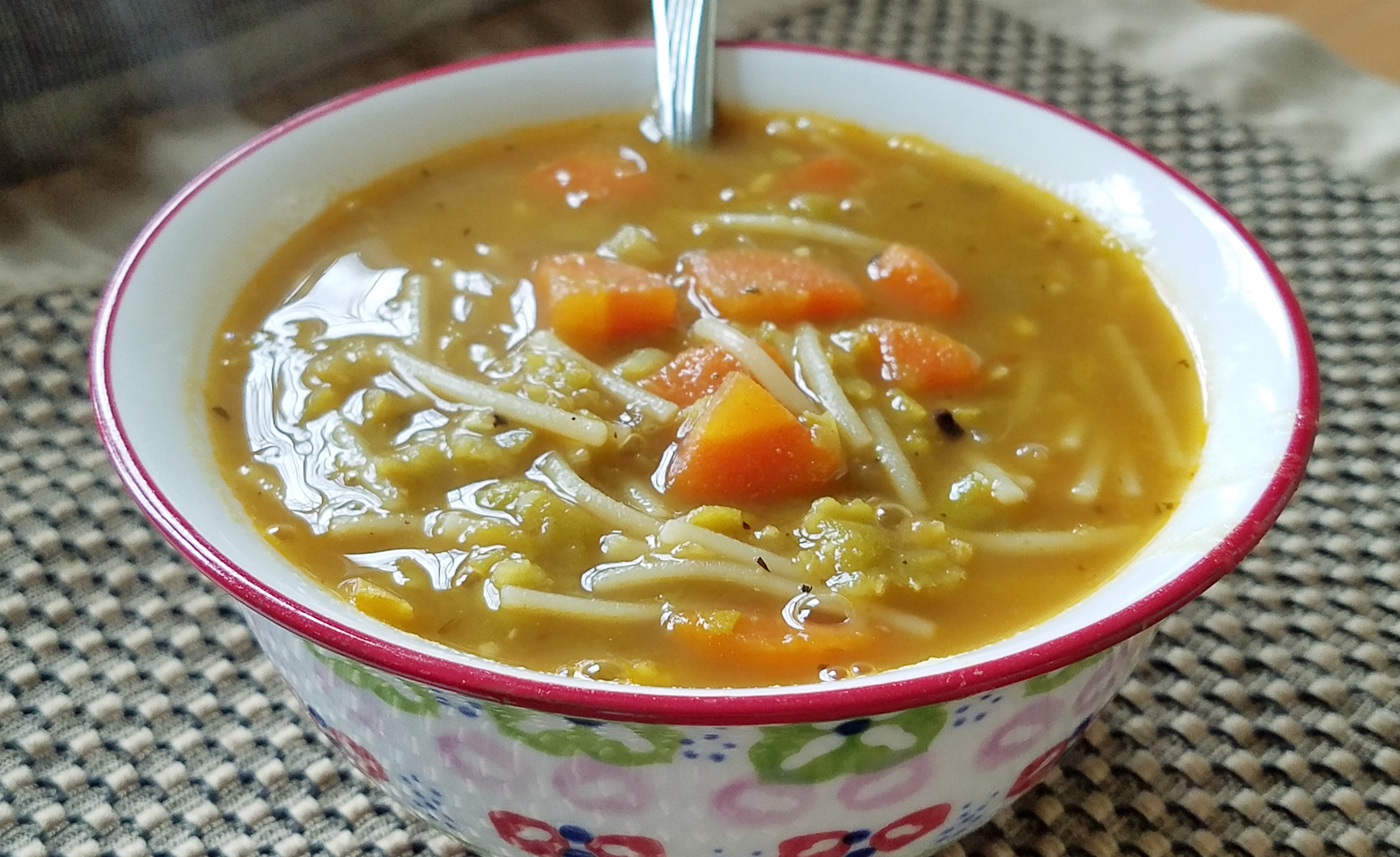 Vegetarian Split Pea Soup Lura