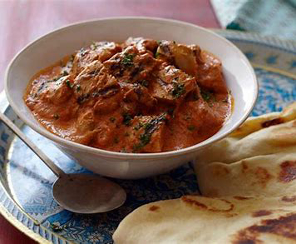 Butter Masala Chicken with Raisins and Peppers