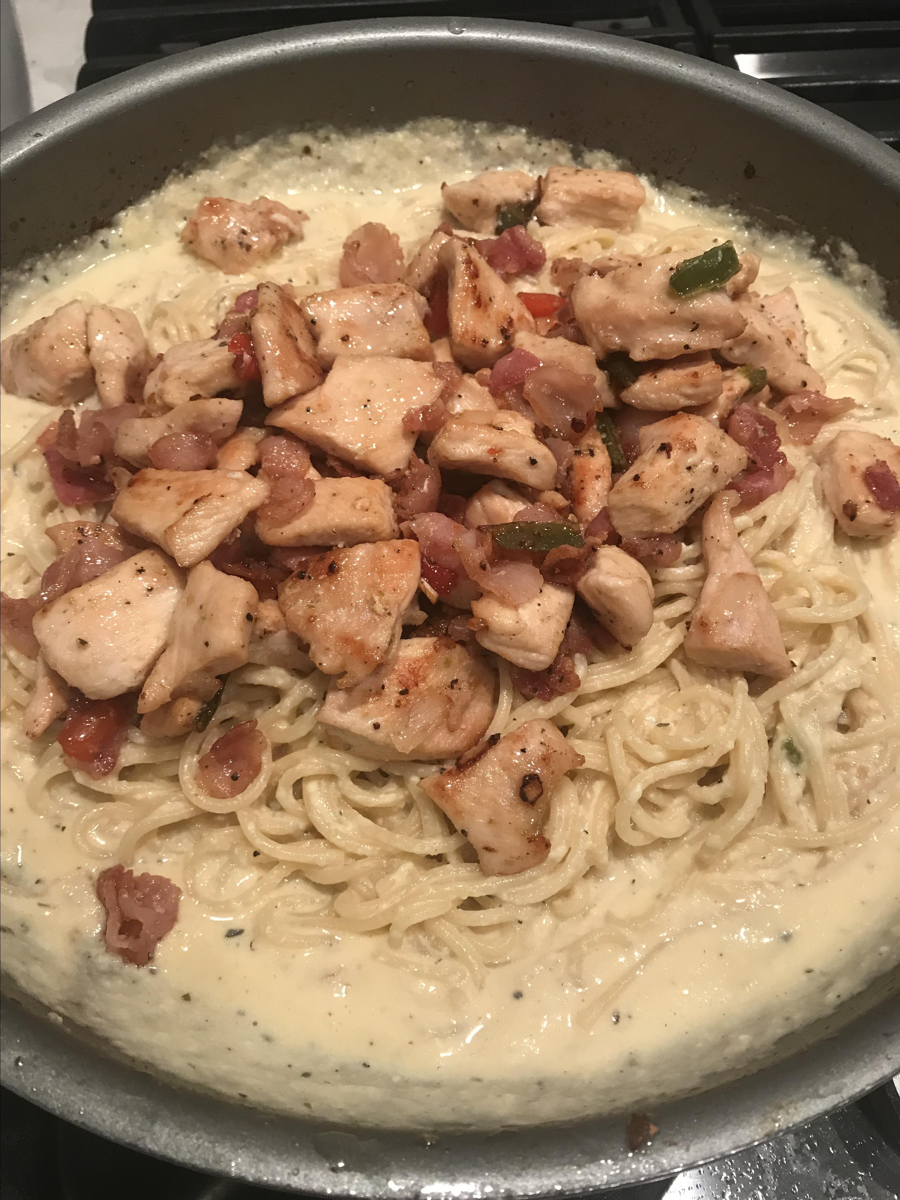 Chicken and Shrimp Carbonara gerrietp