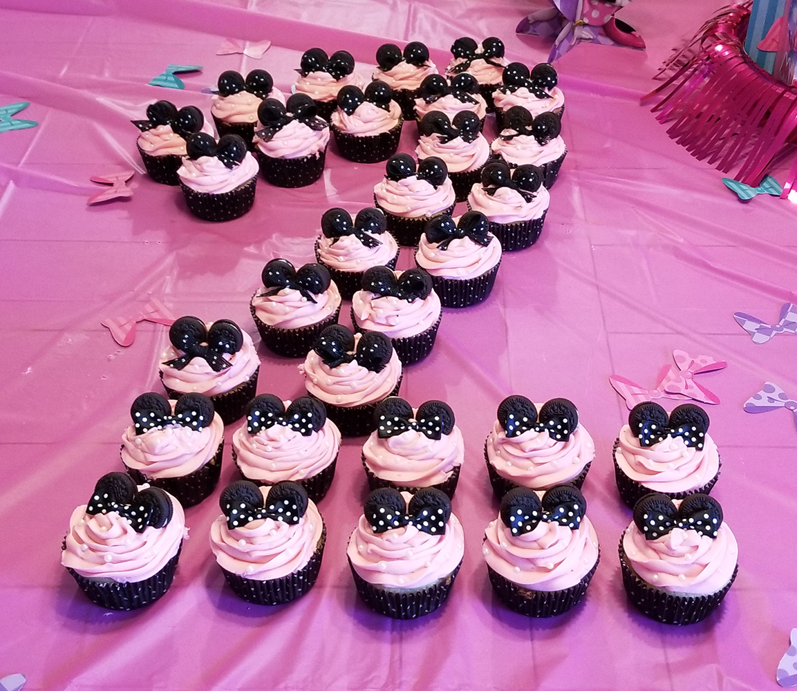 Minnie Mouse® Cupcakes Cathy