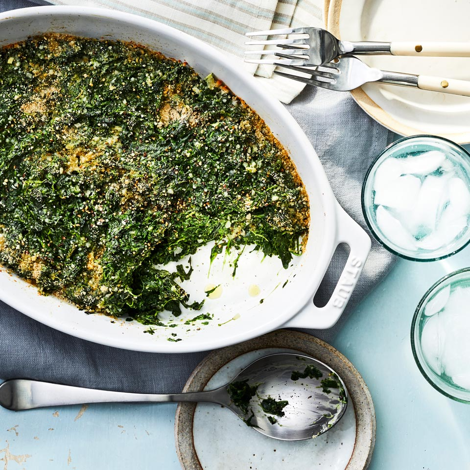 This healthy creamed spinach gratin calls for frozen spinach so it's a quick and easy side dish that's sure to become a dinnertime staple. Source: EatingWell Magazine, October 1997