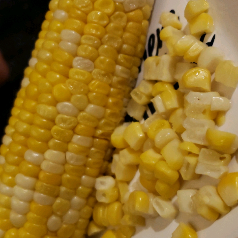 Corn On The Cob (Easy Cleaning and Shucking) staceynutz