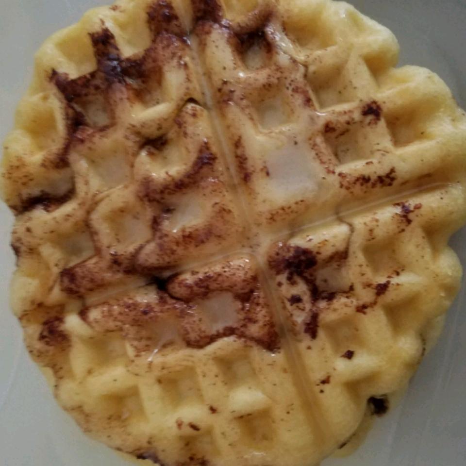 Cinnamon Roll Waffles with Cream Cheese Syrup IHATECOOKING