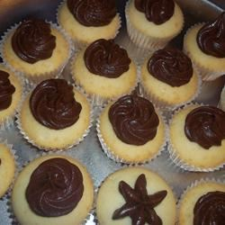 Easy Chocolate Cream Cheese Frosting momzie418