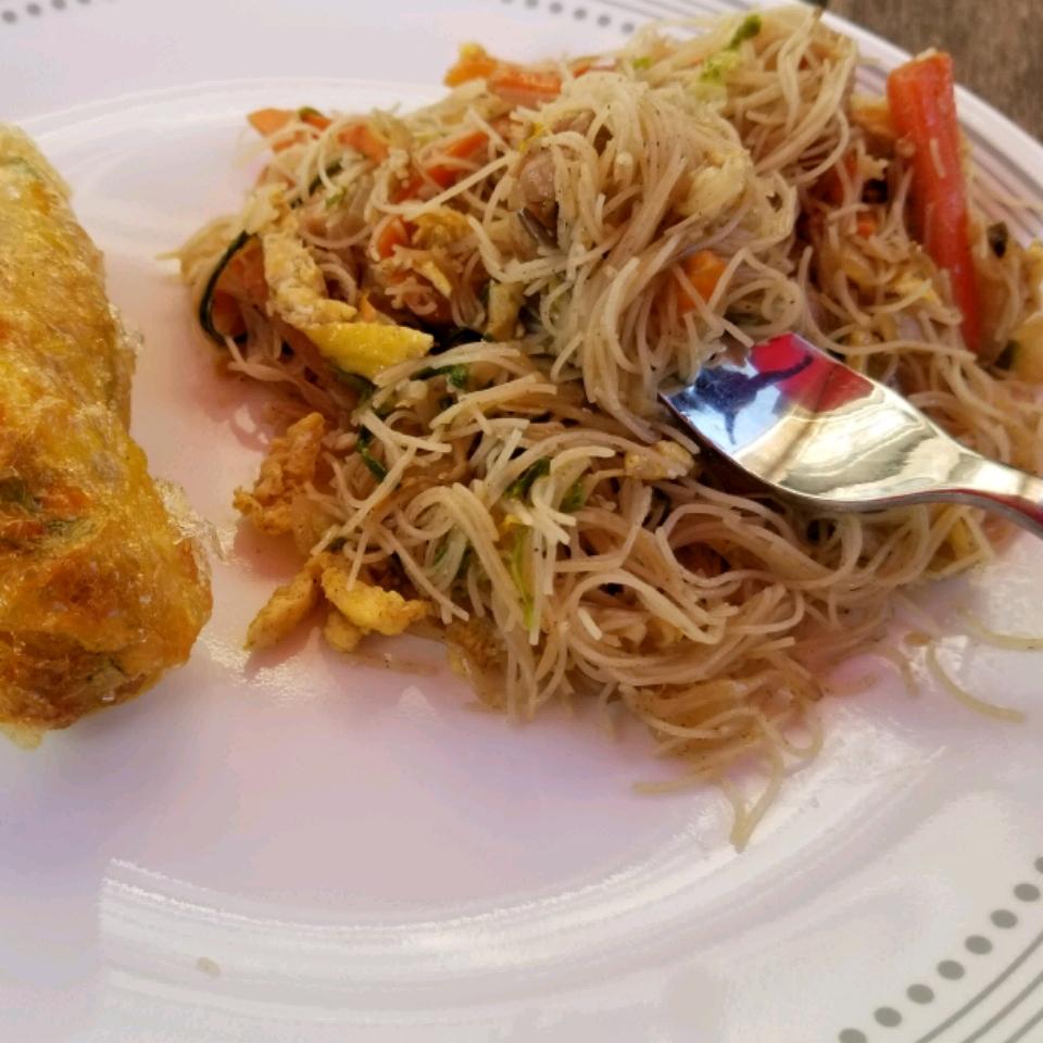 Tsao Mi Fun (Taiwanese Fried Rice Noodles)
