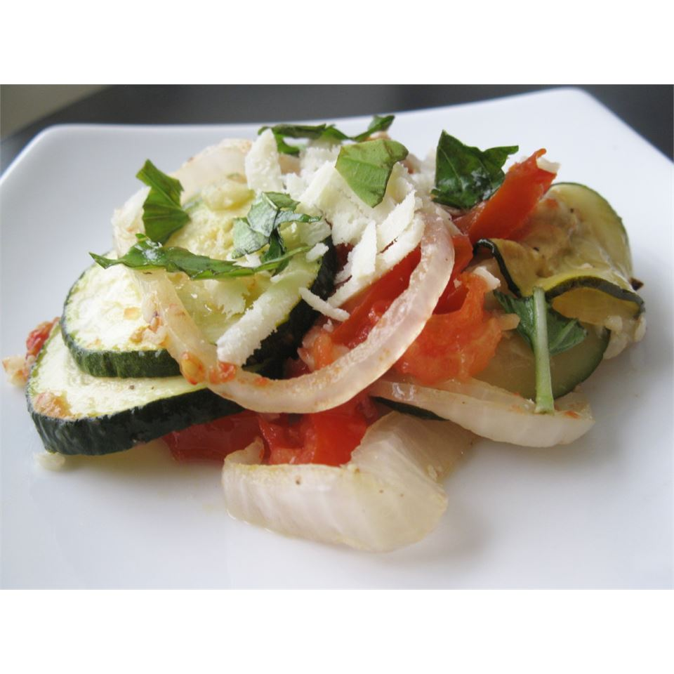 Roasted Garlic Zucchini and Tomatoes mommyluvs2cook