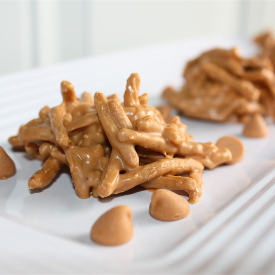 Peanut Butter Haystacks
