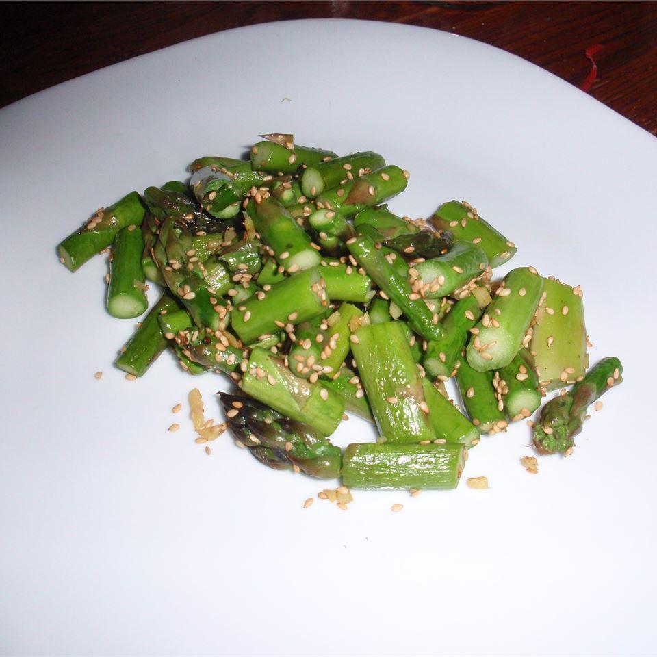 Stir-Fried Sesame Asparagus sueb