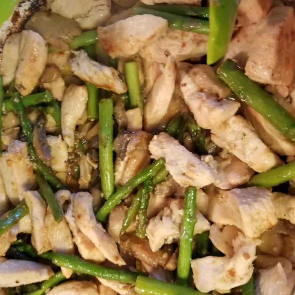 Chicken, Asparagus, and Mushroom Skillet mlindstrom1990