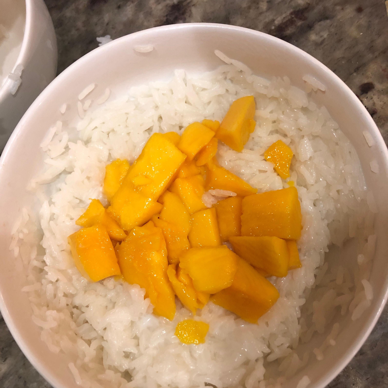 Sweet Sticky Rice with Mangoes Stephanie Ou