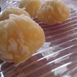 Beijinho de Coco (Coconut Little Kiss)