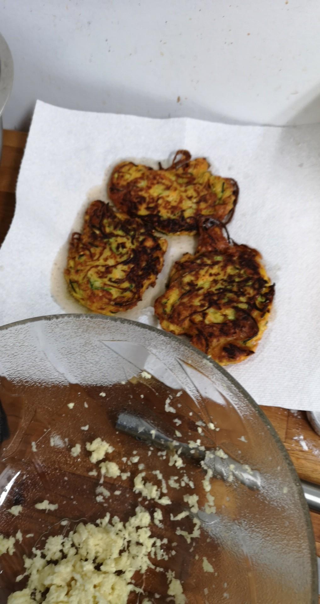 Easy Zucchini Fritters xenomorphic