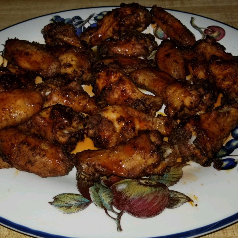 Crispy Honey Sriracha Chicken Wings