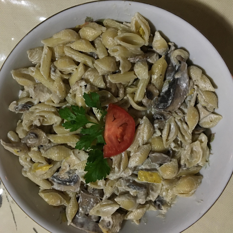 Easy Chicken Pasta Alfredo