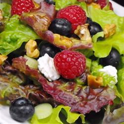 Blueberry Walnut Salad bellepepper