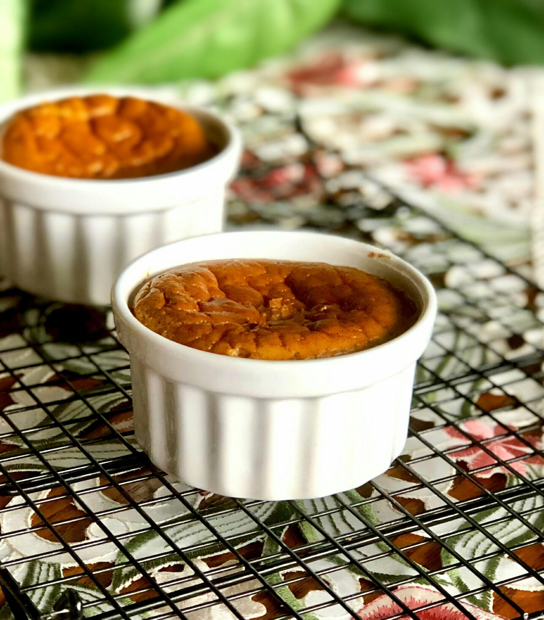 No-Crust Keto Pumpkin Pie seren