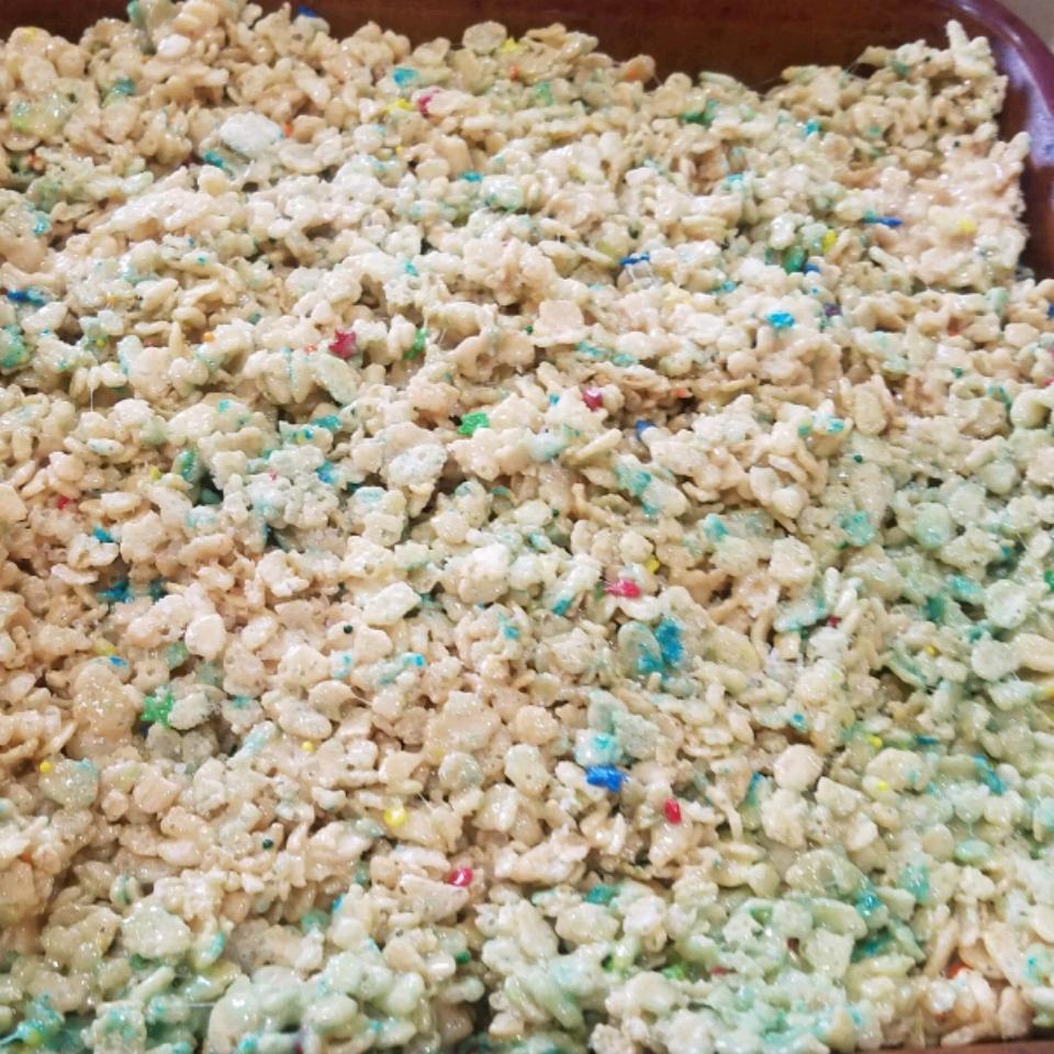 Salted Caramel Marshmallow Crispy Treats (Gluten Free)