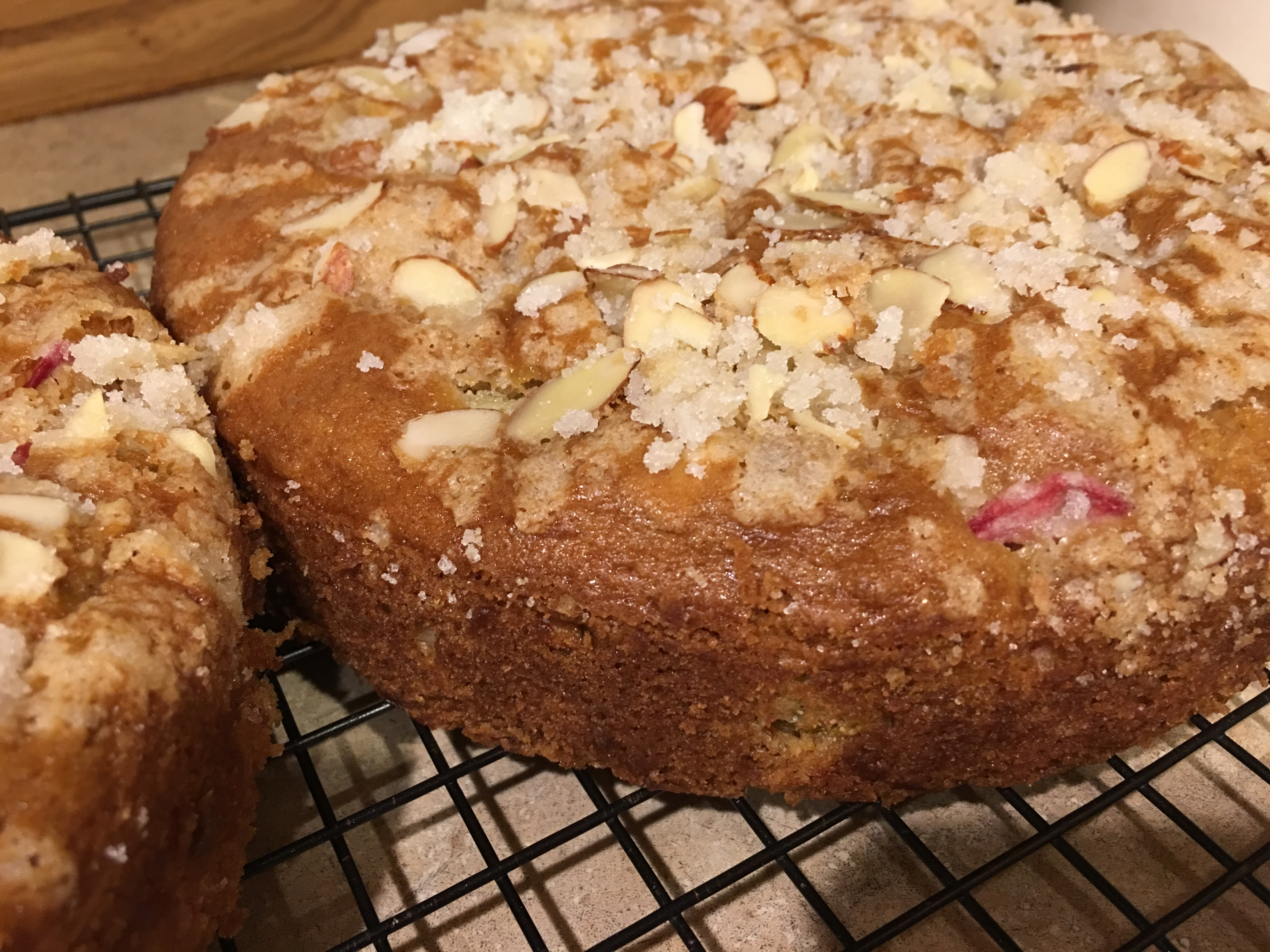 Almond Rhubarb Coffee Cake skneustel