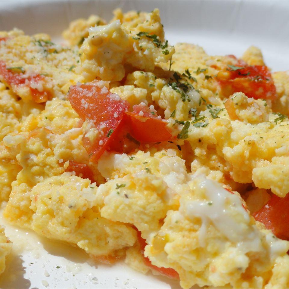 Fresh Tomato Parmesan Scramble