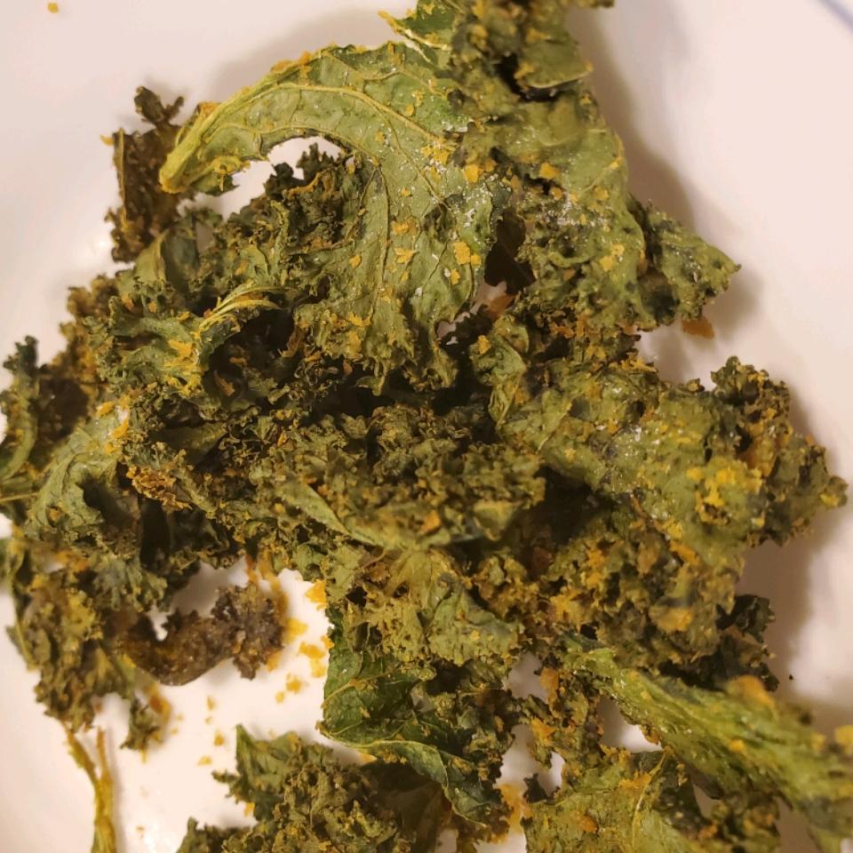 Cheesy Kale Chips Jenni Westman