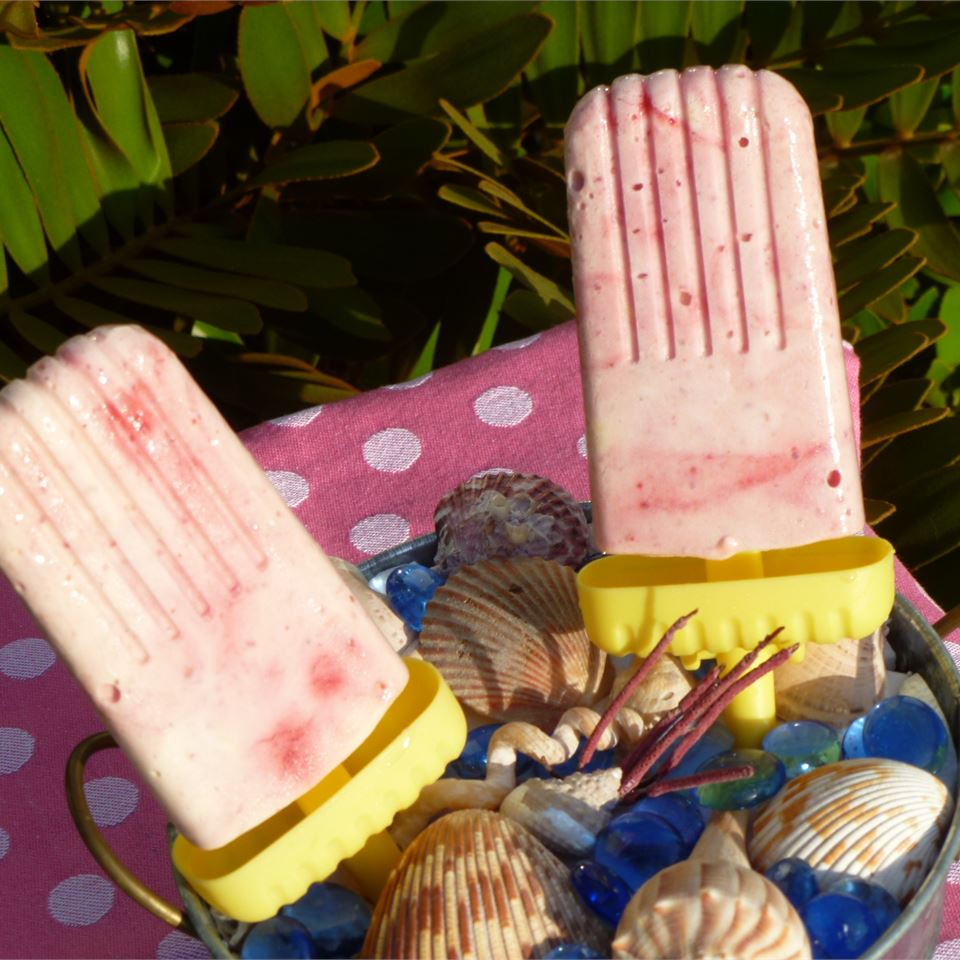 Creamy Raspberry Ice Pops lutzflcat
