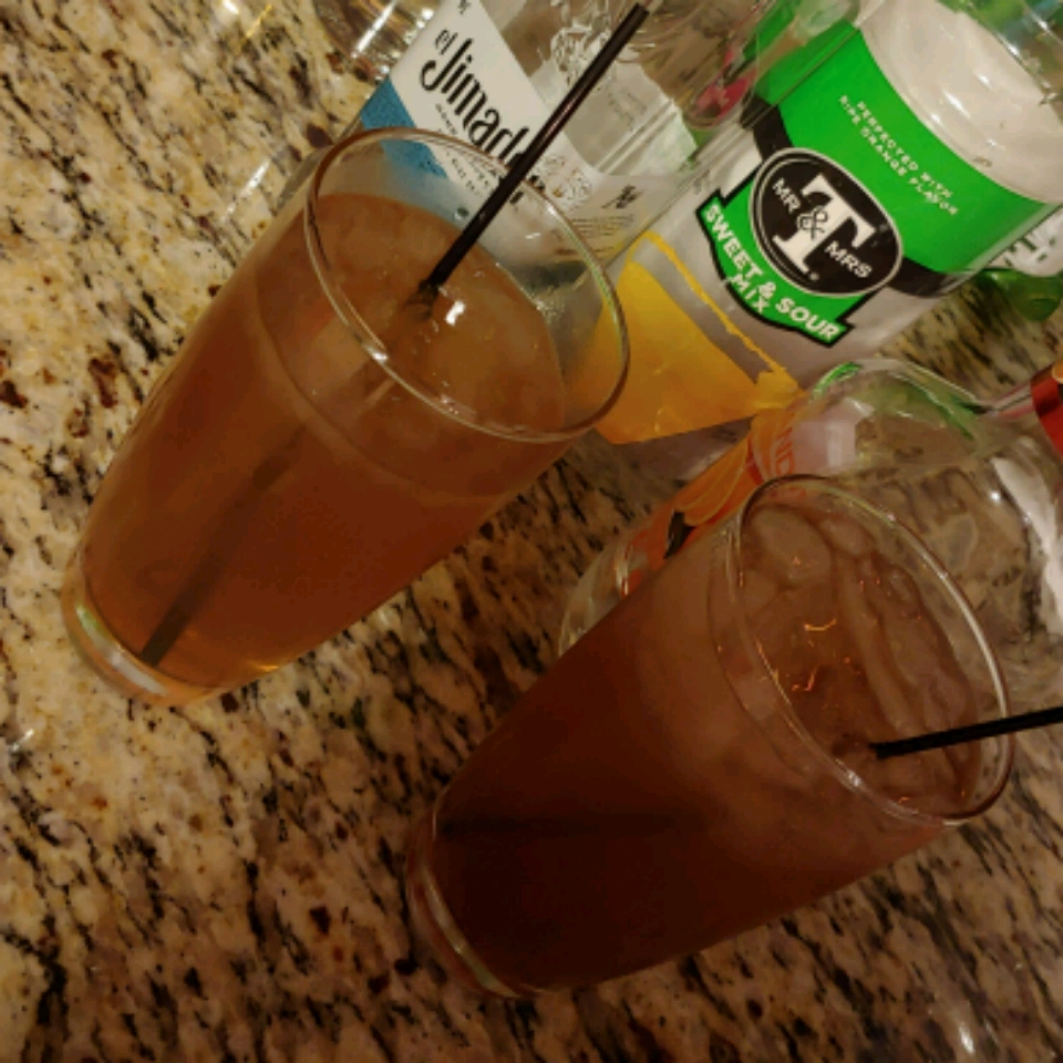 Mrs. Baxton's Long Island Iced Tea loislane76