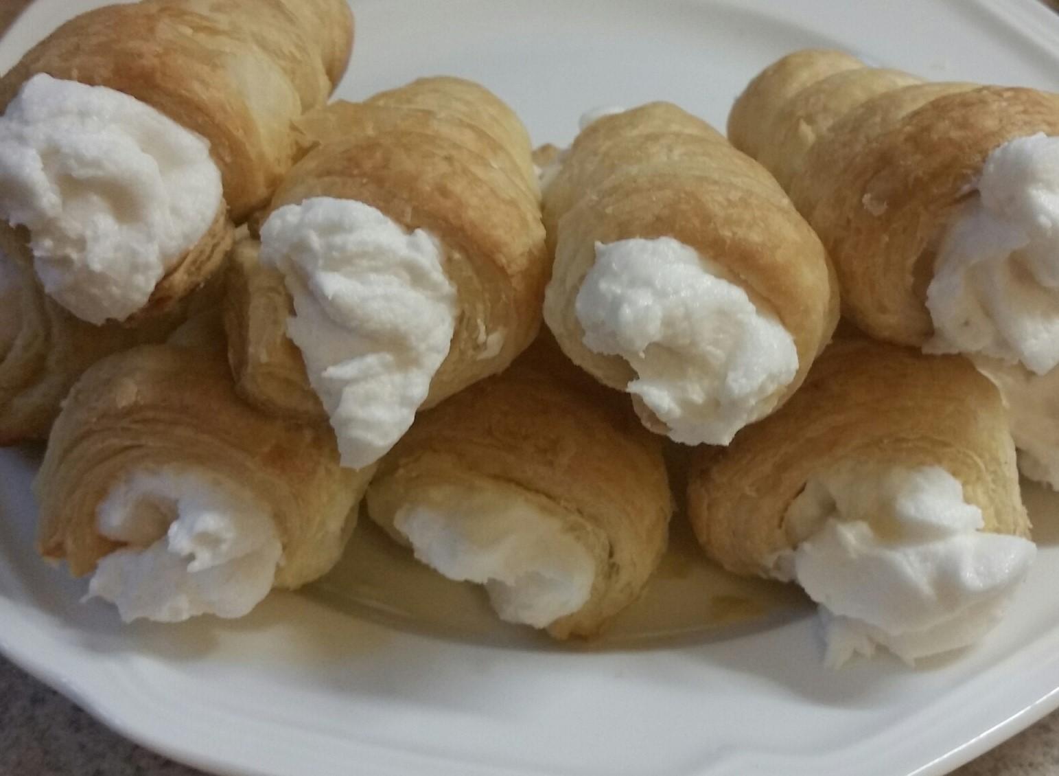 Holland Cream (White Cream Filling) Marie M Yates