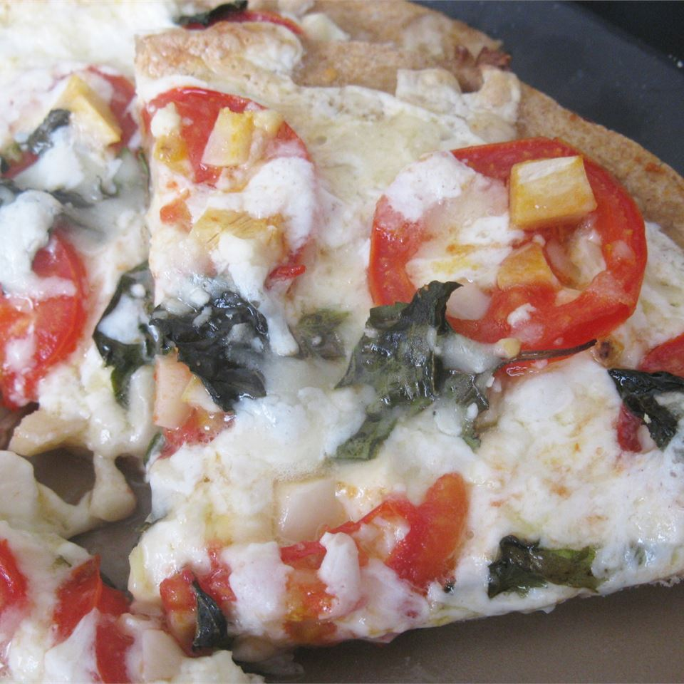 Four Cheese Margherita Pizza mommyluvs2cook