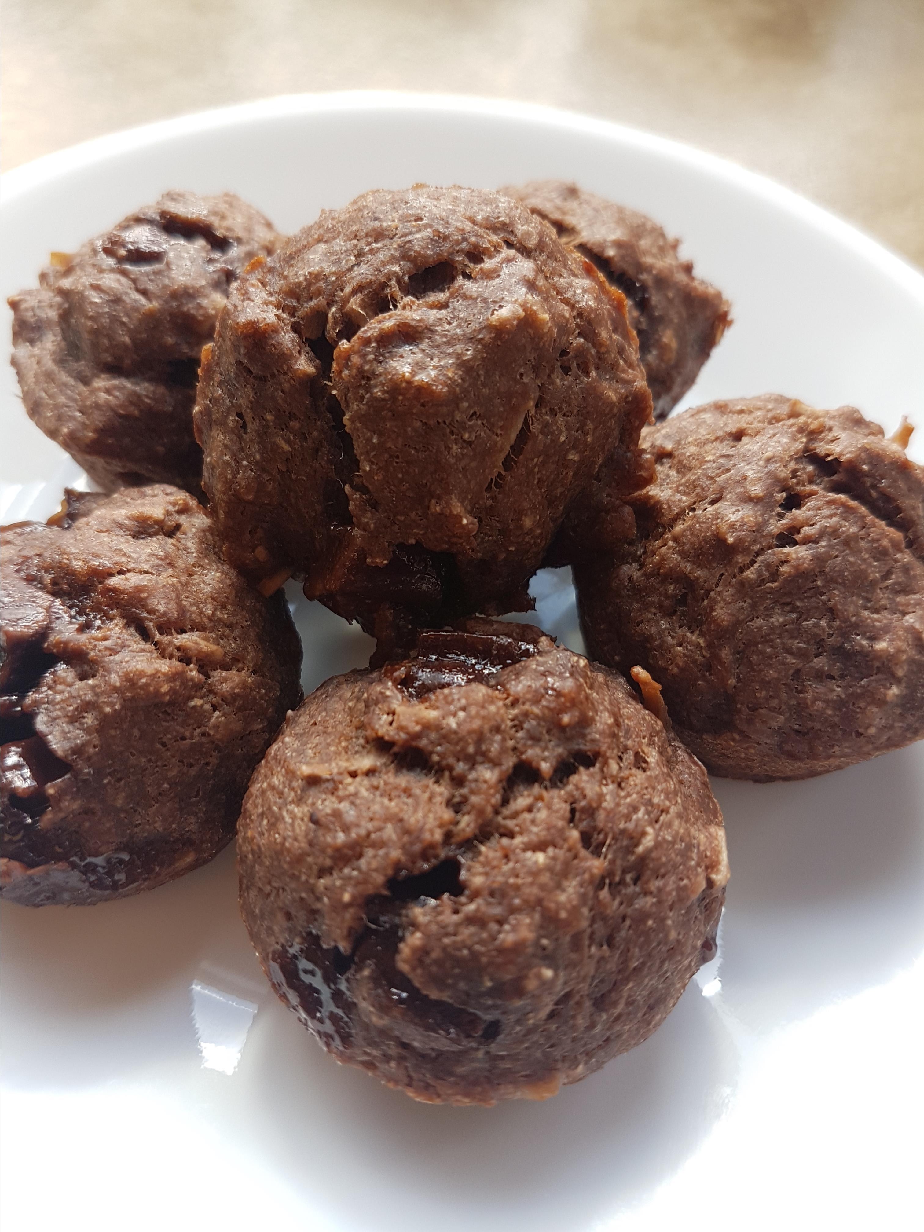 Healthy Chocolate-Coconut Banana Muffins
