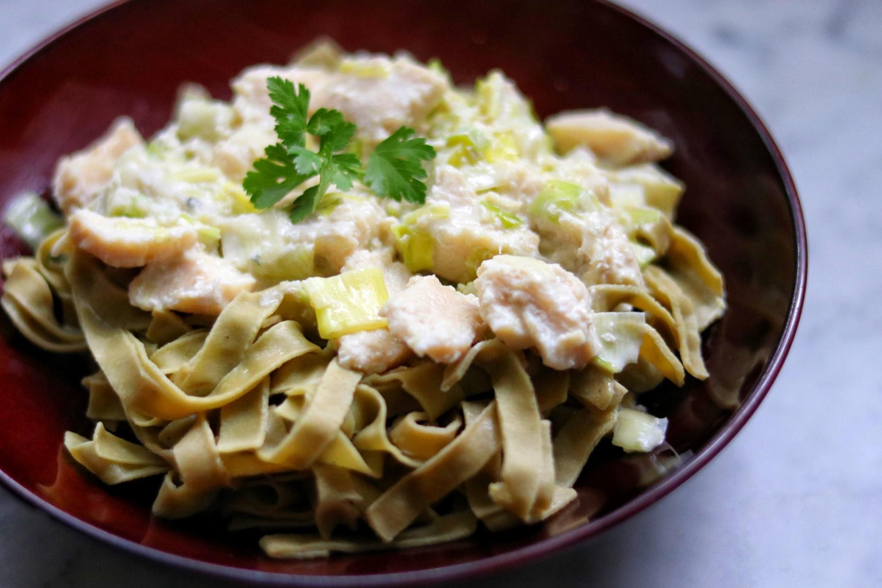 Fettuccine with Chicken, Leeks, and Gorgonzola