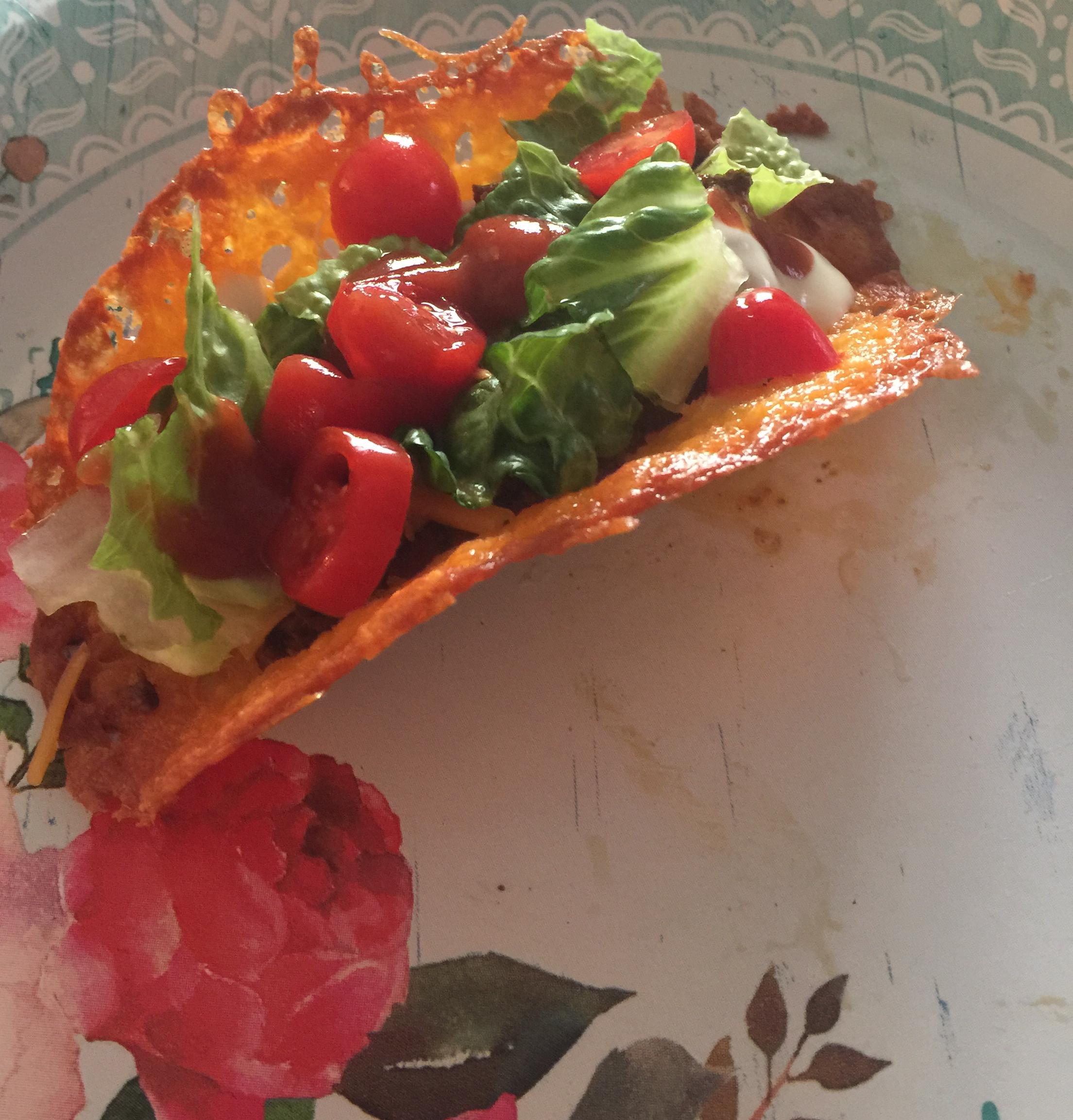 Low-Carb Keto Cheese Taco Shells
