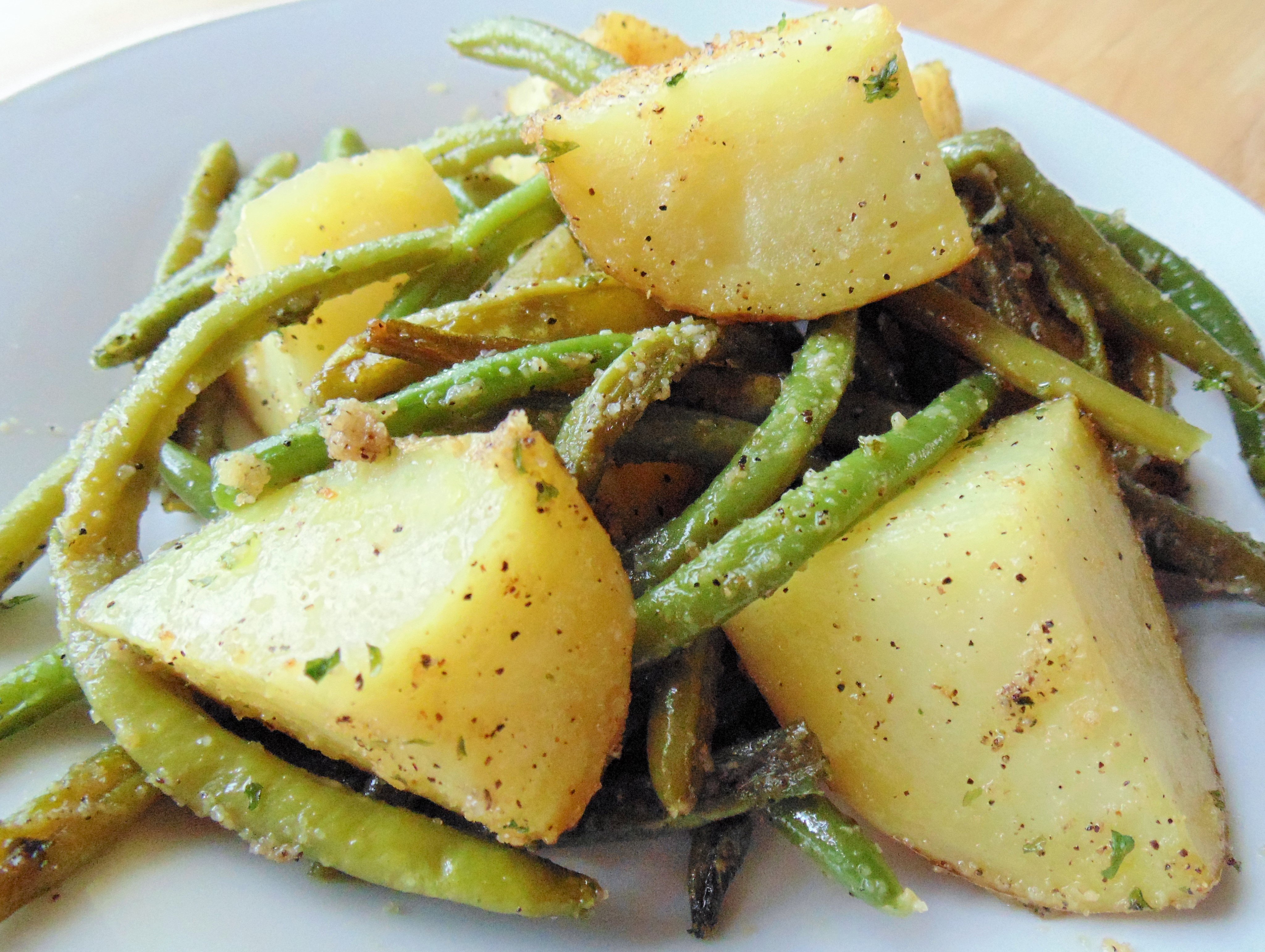 Roasted Green Beans and Baby Red Potatoes