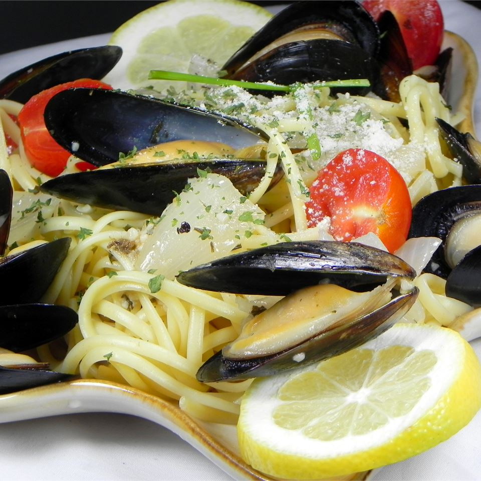Mussels Mariniere with Linguine Soup Loving Nicole