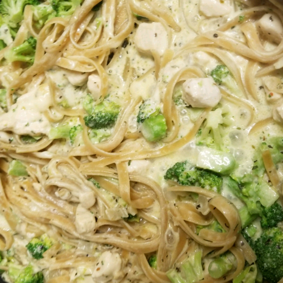Chicken and Broccoli Fettuccini Skillet Dinner Kevin Nuber