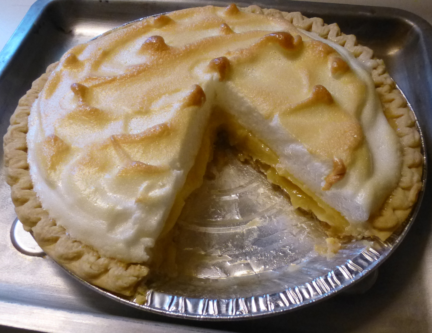 Agave-Sweetened Lemon Meringue Pie cabinkat