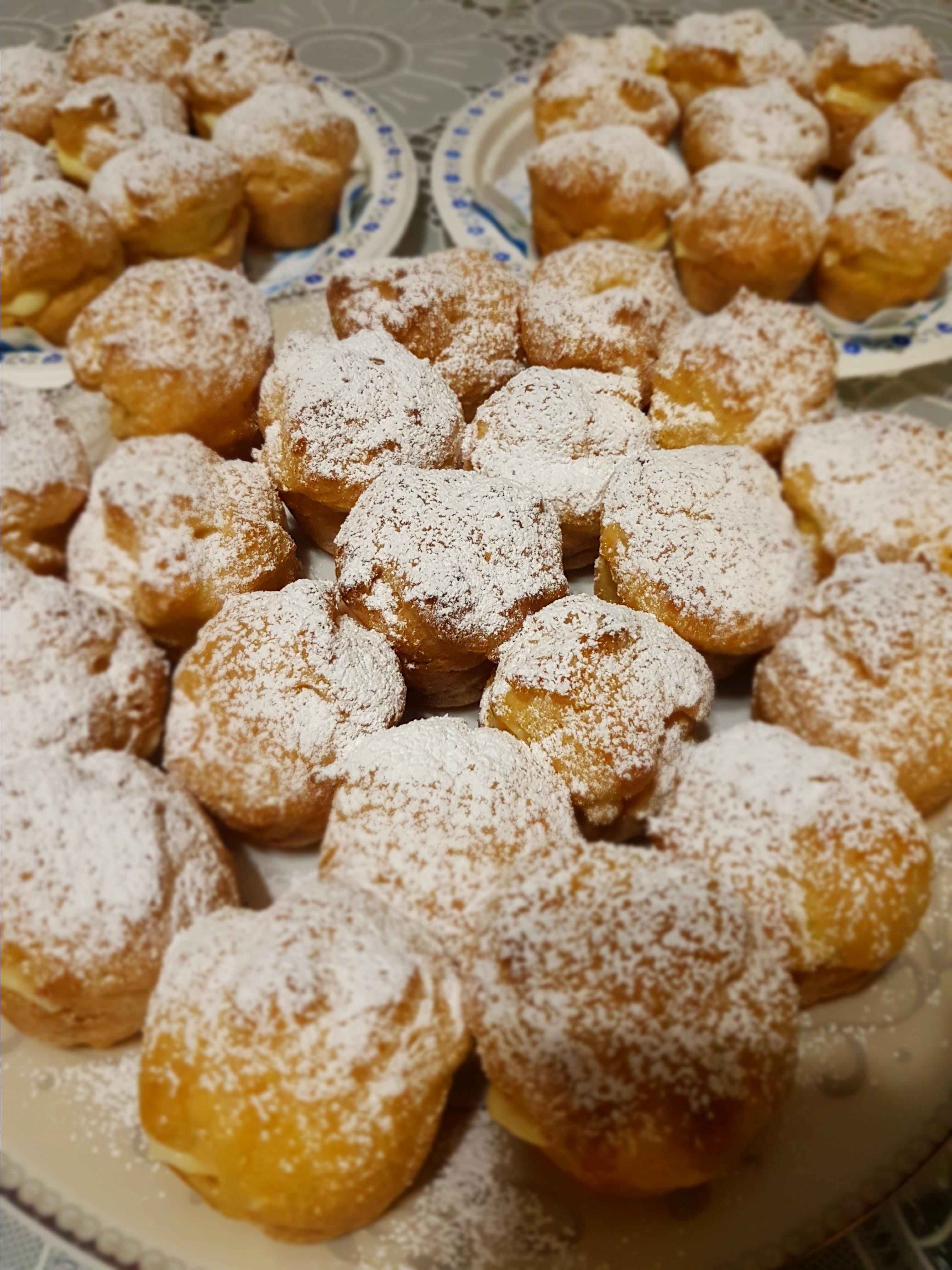 Cream Puffs Dwitya Rulhadi