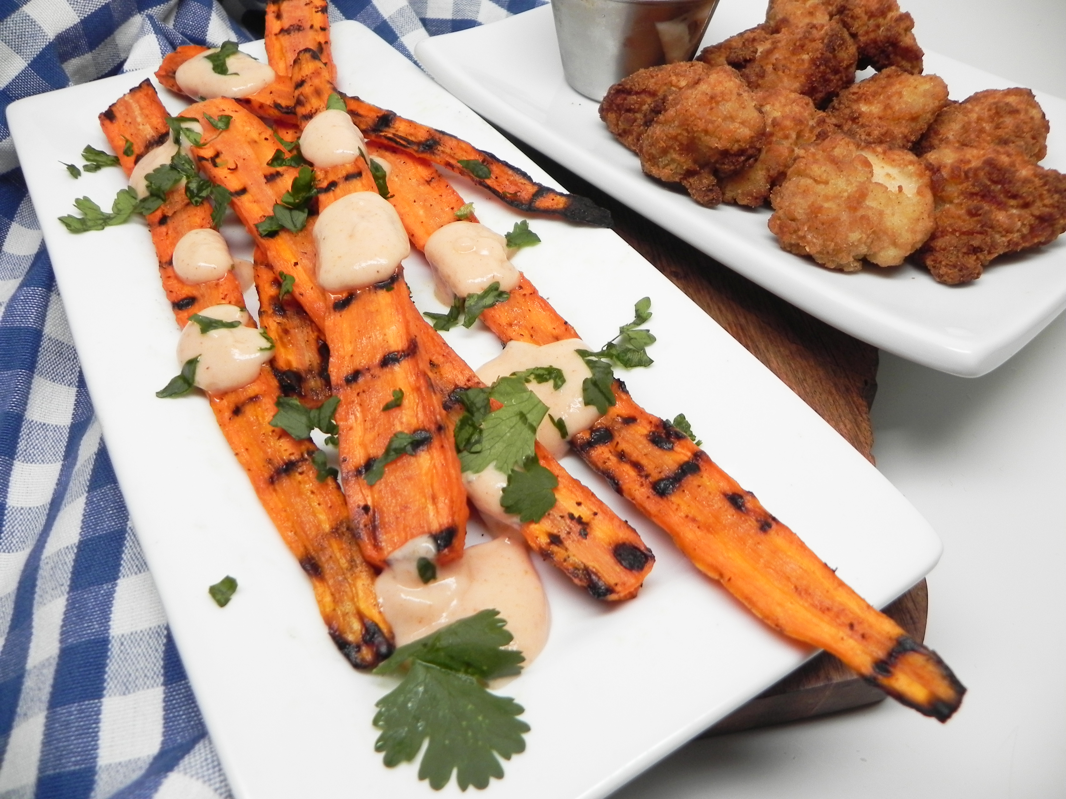 Grilled Carrots with Creamy Sriracha Sauce