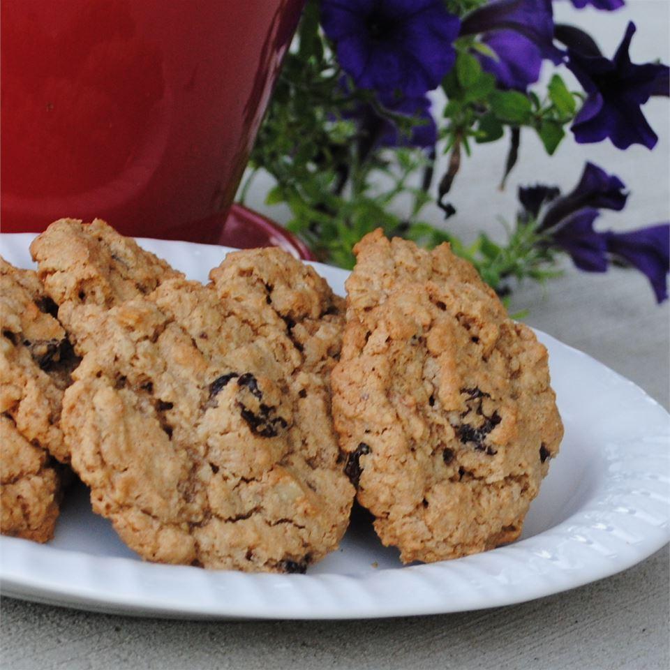 Oatmeal Cherry Walnut Cookies