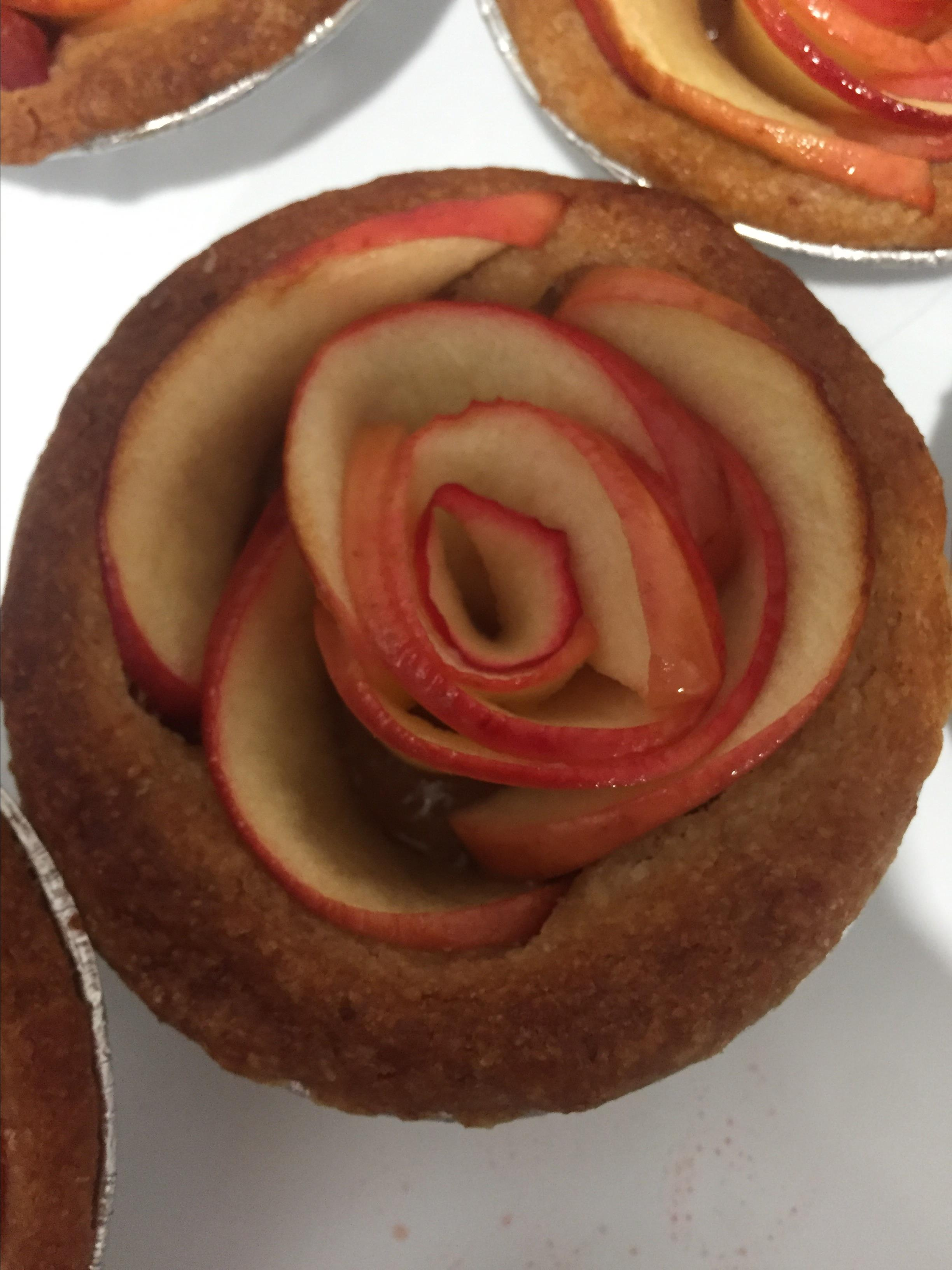 Mini Rose Apple Pies Mariam