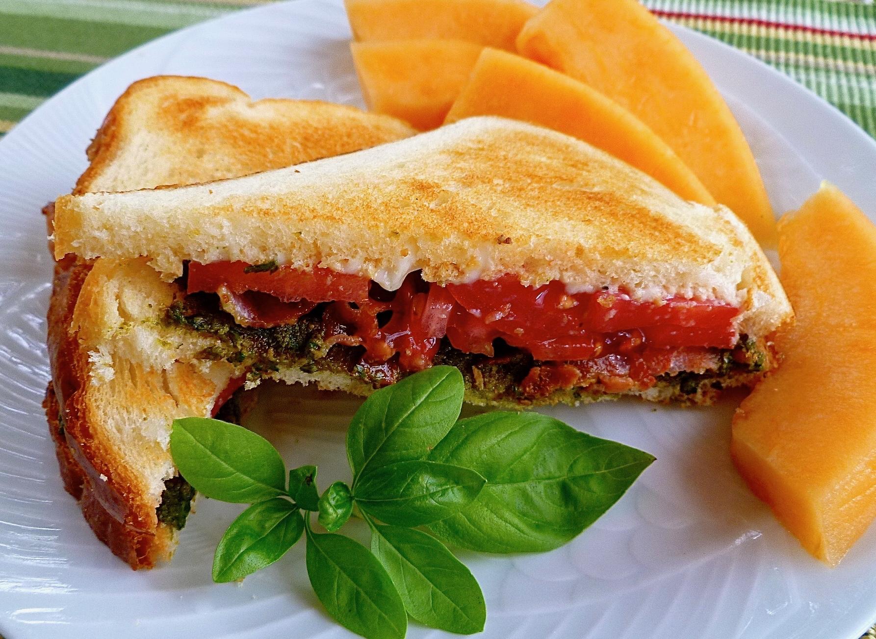 Bacon, Basil Pesto, and Tomato Sandwich