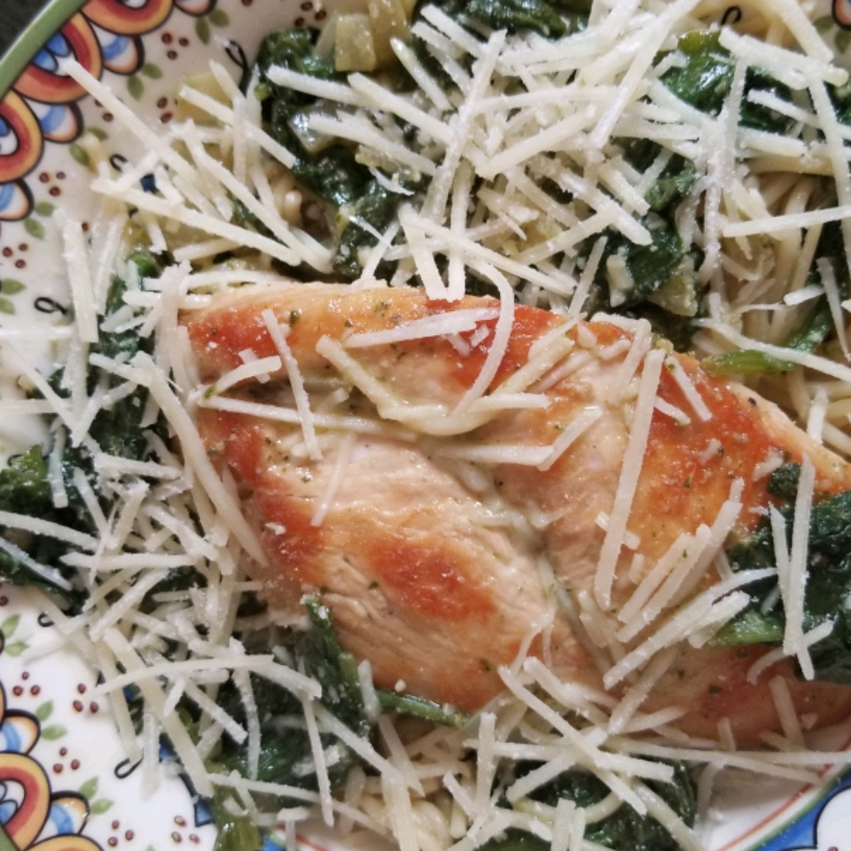 Chicken Pesto with Fettuccine and Spinach Erin