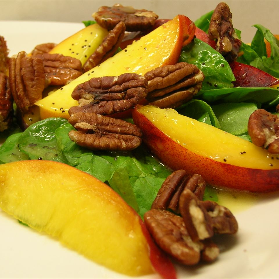 Spinach Salad with Peaches and Pecans *Sherri*