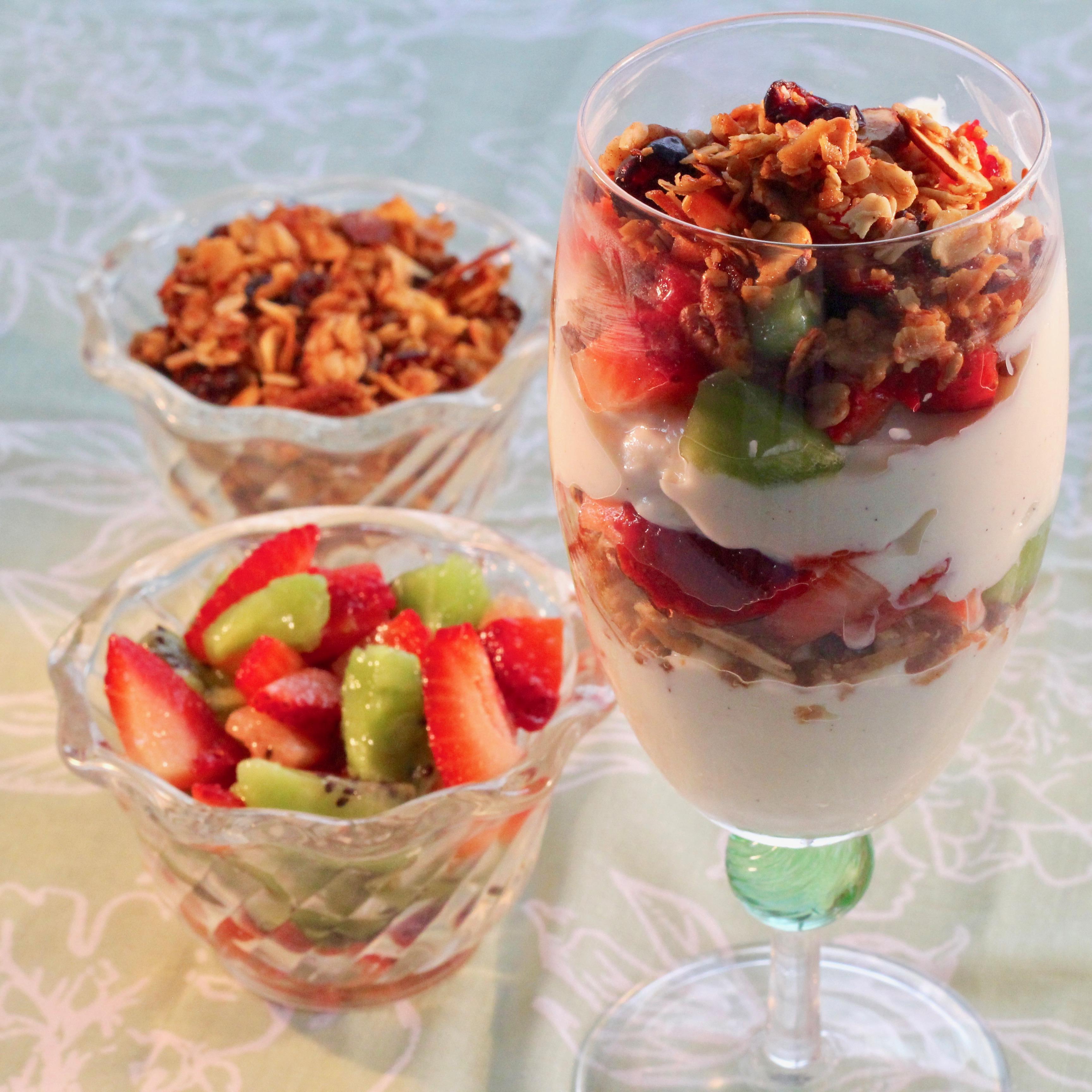 Breakfast Parfait with Granola, Yogurt, and Fruit